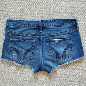 Hollister distressed high rise shorts sz 7/28